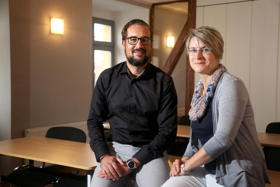 Das neue Führungsduo beim SC Riesa: Annekathrin Aurich wurde jetzt zur Präsidentin gewählt. Die 43-jährige gebürtige Riesaerin ist Diplom-Psychologin. Neuer Vizepräsident ist Rechtsanwalt Sebastian Lohse, der hier auch schon mehr als 20 Jahre lebt.