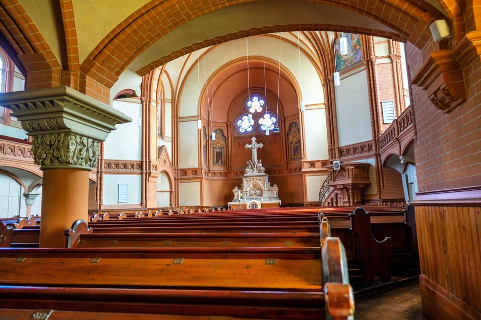 Die evangelische Trinitatiskirche ist das Wahrzeichen der Stadt - und das mit Abstand größte Gotteshaus der Region. Dort findet am Sonnabend eine katholische Messe statt.