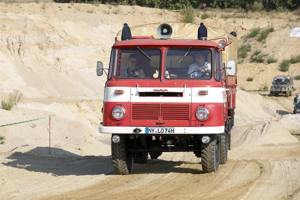 Mit der Oldtimer-Feuerwehr-