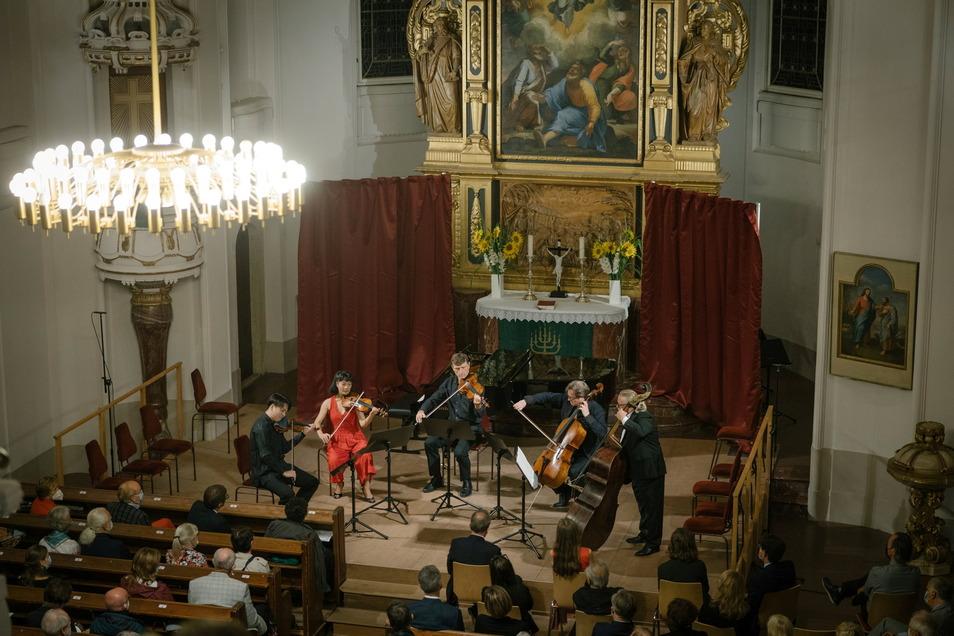 Das Auftaktkonzert des Moritzburg Festivals erklang am Sonnabend in der Kirche in Moritzburg.