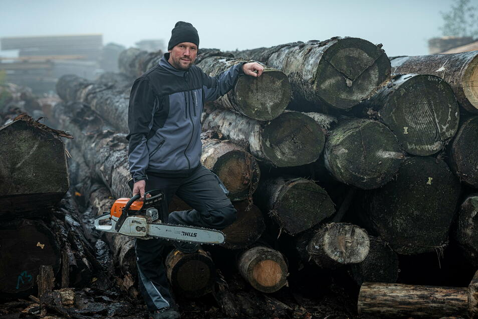 Sebastian Böltzig im Sägewerk weiß: Floßholz hat eine hohe Qualität und wird etwa für Fachwerksanierungen verwendet.