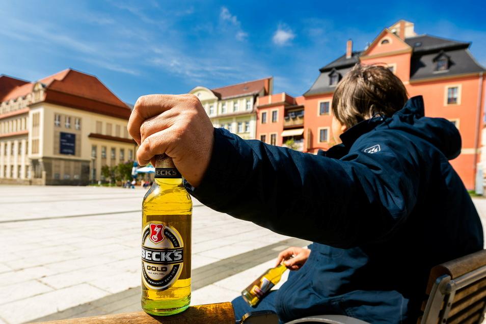 Auf dem Bautzener Kornmarkt darf gegenwärtig kein Alkohol getrunken werden. Das hat der Landkreis festgelegt - und weitere Orte benannt.
