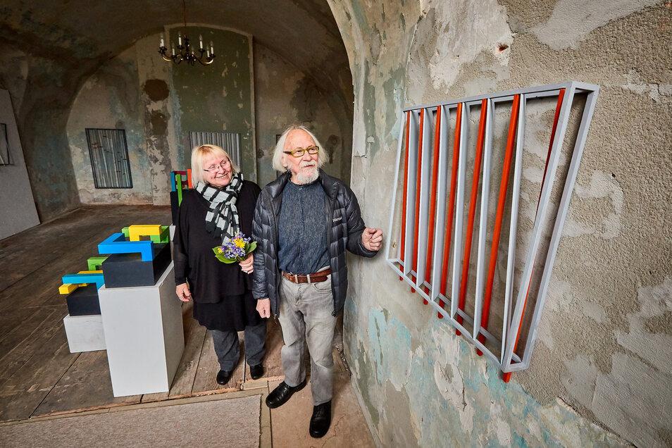 Fritz-Peter Schulze und Annerose Schulze haben im Mai die diesjährige Ausstellungssaison im Schloss Struppen eröffnet.