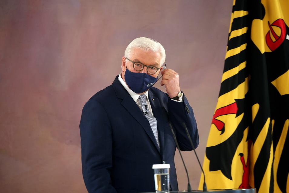 Bundespräsident Frank-Walter Steinmeier regt ein Trauergedenken an die Corona-Opfer an.