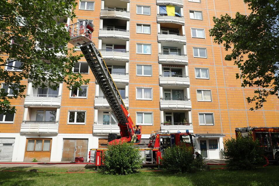 Im fünften Stock dieses Hauses stand eine Wohnung in Flammen.