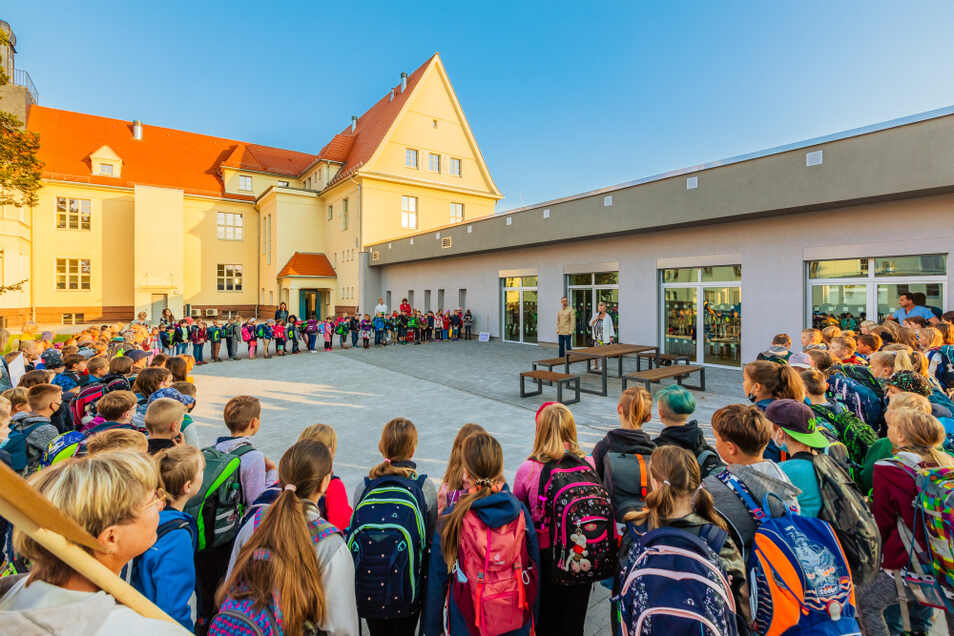 Das Bild der Laubscher Grundschule am Markt entstand bei der Wiederöffnung der Schule.