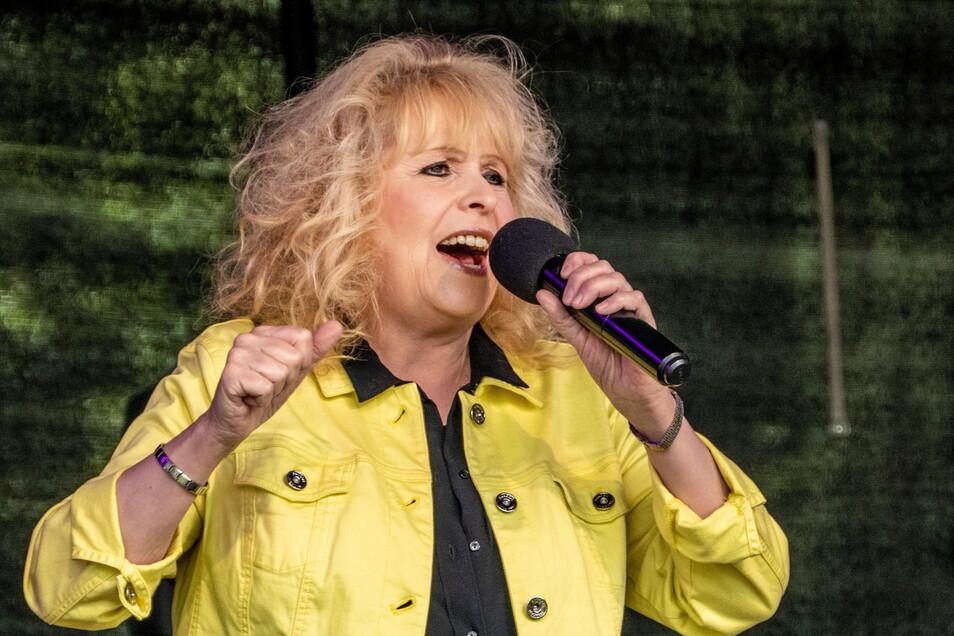 Maja Catrin Fritsche sang altbekannte Schlager aus der DDR-Zeit.