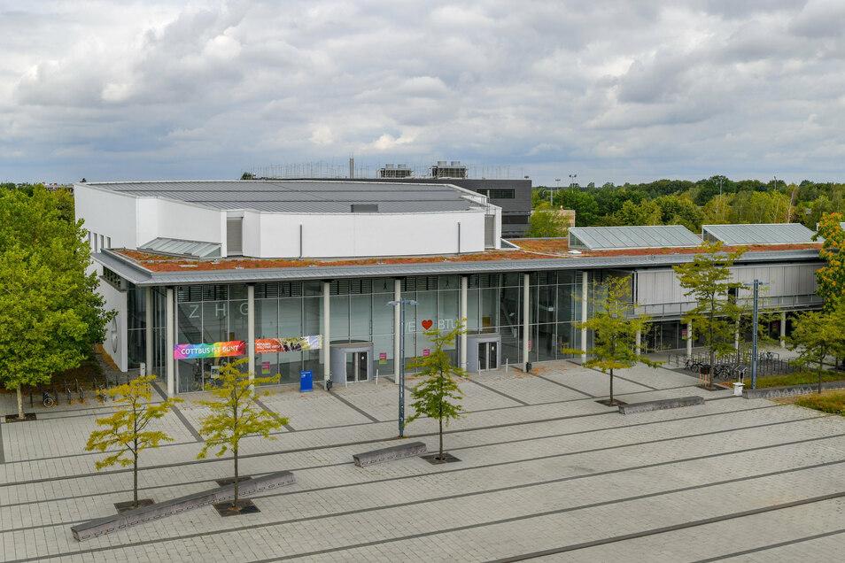 Blick über den Campus an der Brandenburgische Technische Universität Cottbus-Senftenberg (BTU).