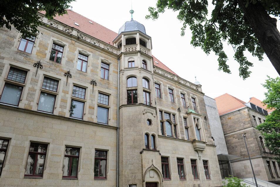 Das Dresdner Kreuzgymnasium bleibt am Freitag leer.