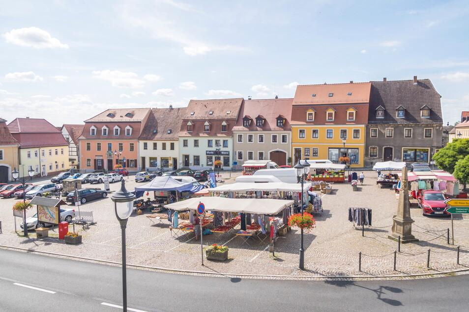 Der Strehlaer Markt soll am Sonnabend zur Partystätte werden. Zuvor ist eine Straßenparade über die Oschatzer Straße geplant.