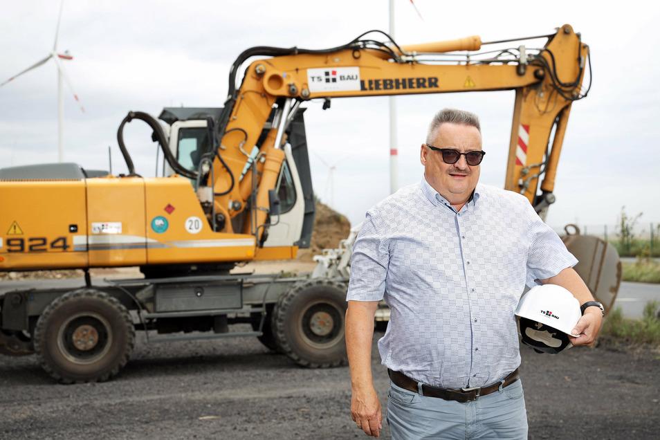 Michael Benedikt ist seit Juli 1993 in leitenden Positionen bei TS Bau in Glaubitz tätig. Seit Anfang 2006 ist der Diplom-Ingenieur (FH) Geschäftsführer des Unternehmens.