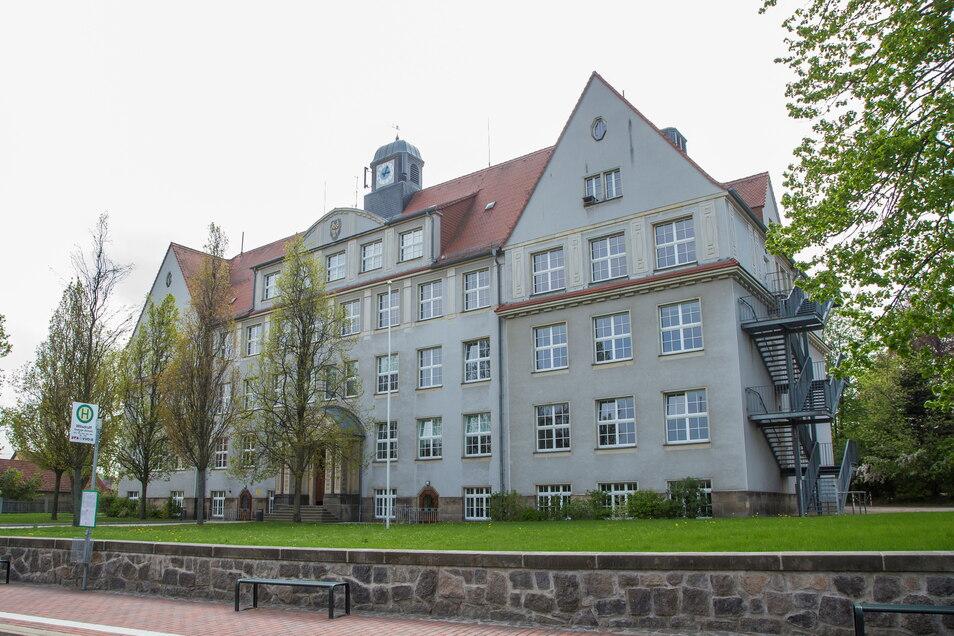 Der Oberschule Wilsdruff fehlt Platz. Deshalb soll die Schule erweitert werden. Im beschlossenen Haushalt ist das einer der größten Investitionen der Stadt Wilsdruff.