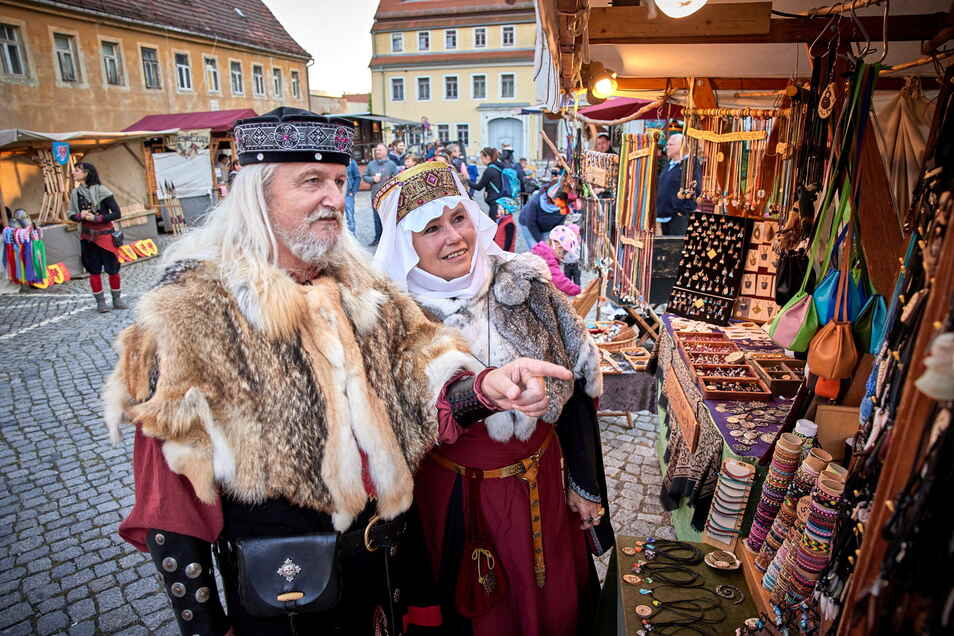Marthe und Christian von Camenitz (Hannelore und Dietmar Stäblein aus Chemnitz) beim Spektakel in Weesenstein.