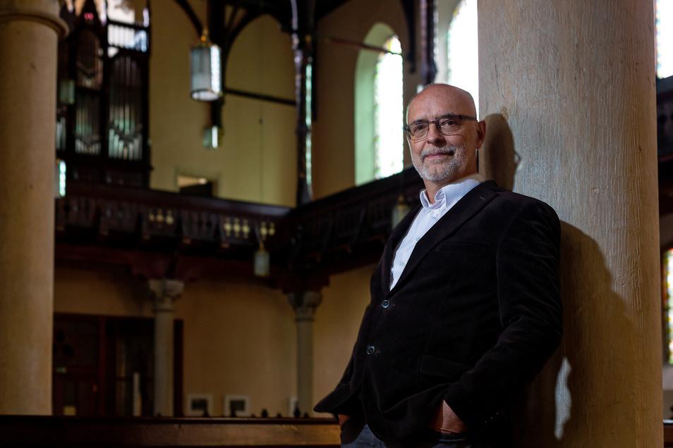Christoph Singer verabschiedet sich am Sonntag in der Deubener Christuskirche von seiner Gemeinde.