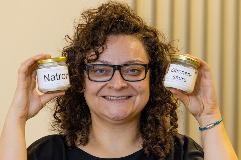 Ohne Plasteverpackung: Juliette Beke möchte ihren Friseursalon in Dresden möglichst müllfrei organisieren - und vieles selbst herstellen.