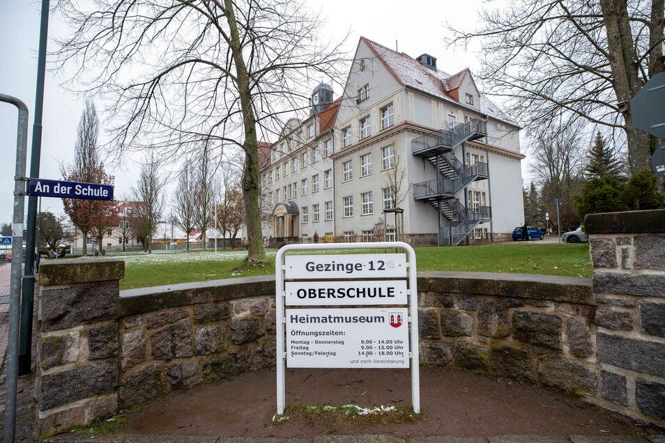 Das Heimatmuseum Wilsdruff ist im Gebäude der Oberschule untergebracht.