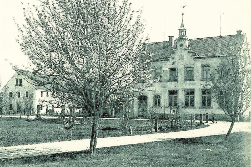 erstmals erwähnt 1493 als Otter Buicz/Otterschütz (eine Ansiedlung am Brombeerbach), hatte zuletzt 198 Einwohner, verlassen 1907