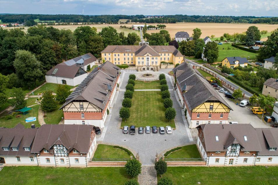 Im Bildungsgut Schmochtitz Sankt Benno in der Oberlausitz steht am Sonntag hoher Besuch ins Haus: Bundespräsident Frank-Walter Steinmeier wird erwartet.