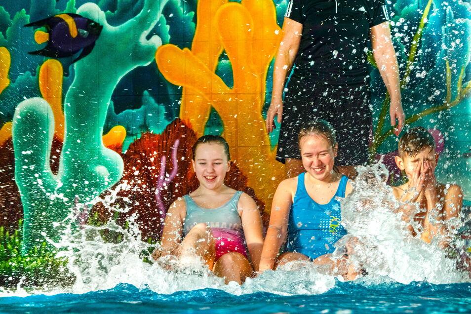 Ab Freitag kann im Roßweiner Stadtbad wieder geplanscht werden. Das Bad ist dann wieder für alle Badelustigen geöffnet.