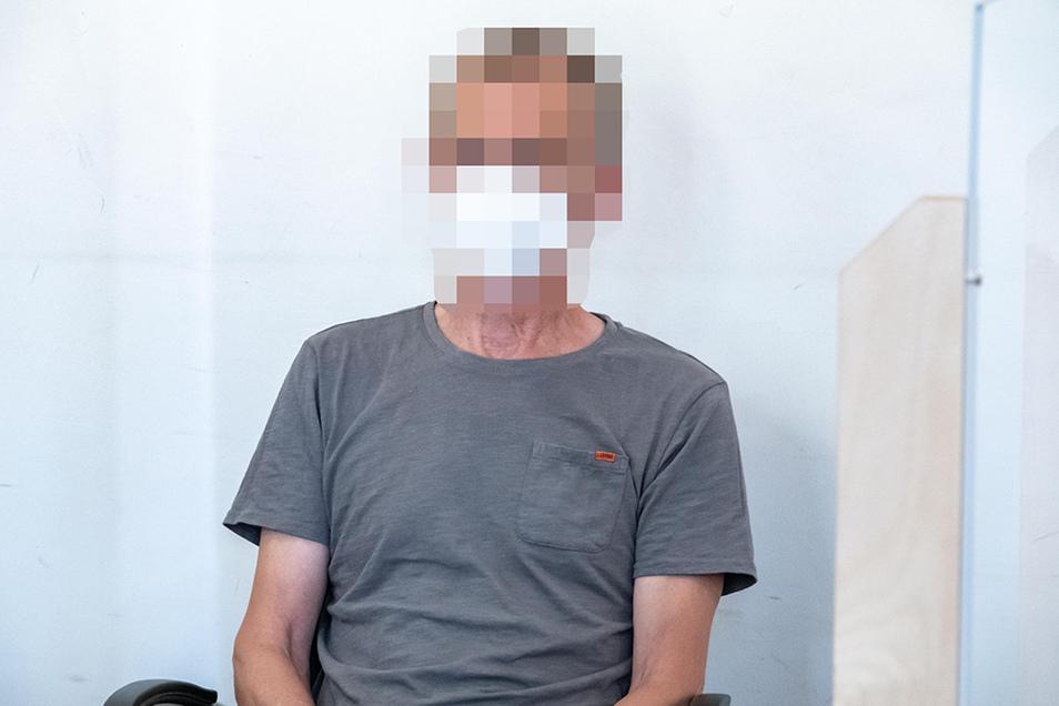 Bernhard R. hat sich in Zeithain Kies geholt. Dann eskalierte die Situation - so dass er jetzt in Riesa vor Gericht stand.