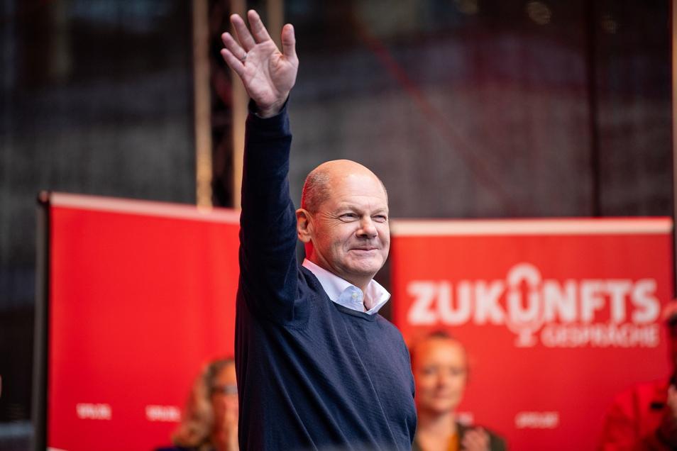 SPD-Kanzlerkandidat Olaf Scholz, hier ein Foto von seiner Abschlusskundgebung in Münster, profitiert von einem historisch schwachen Unions-Bewerber.