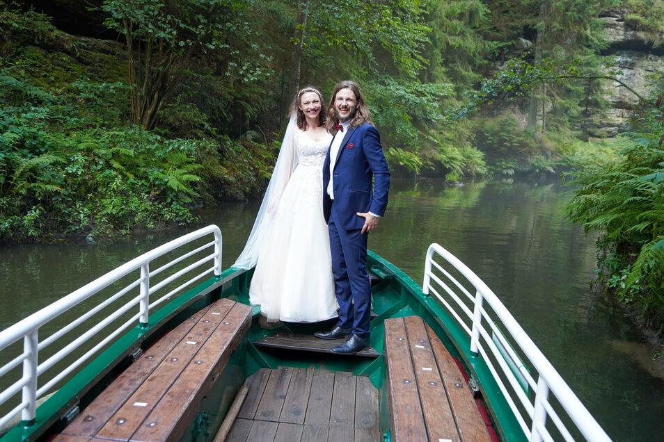 Jennifer und Daniel Schmidt: Nach dem Jawort ging es zur Kahnfahrt auf der Oberen Schleuse.