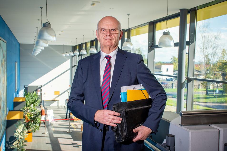 Lothar Beier aus Leisnig hat die Stelle des Ersten Beigeordneten im Landkreis Mittelsachsen seit 2014 inne. Im Kreistag wurde er nun für weitere Jahre gewählt.