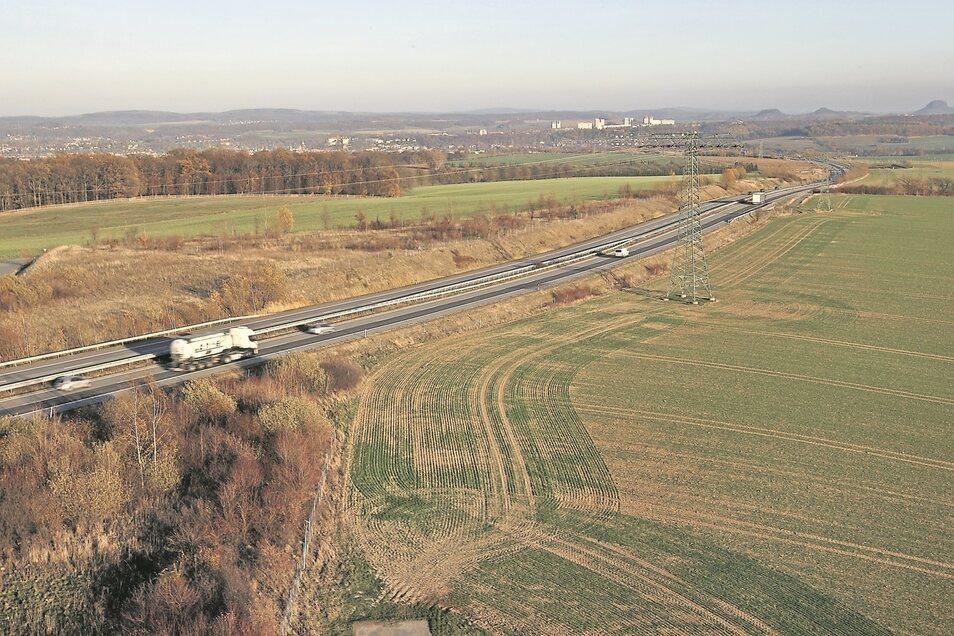 Auf heute mehrheitlich landwirtschaftlich genutzten Flächen am Pirnaer Autobahnzubringer soll ein Industriegebiet entstehen.