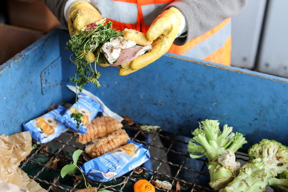 In Deutschland landen mehr als die Hälfte der weggeschmissenen Lebensmittel in den Mülleimern privater Haushalte.