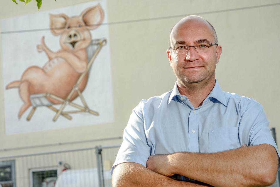 André Pietsch ist in der Budissa AG Niederkaina zuständig für die Schweineproduktion. Auch ihn treibt die Sorge um, dass die Afrikanische Schweinepest in die Oberlausitz kommt.