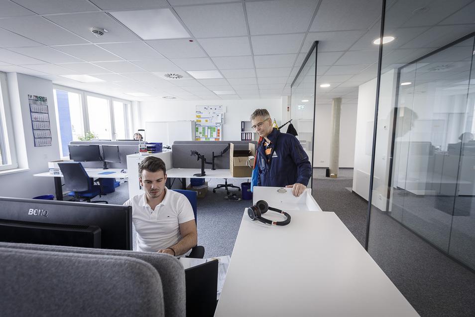 Paul Leubner arbeitet im neuen Verwaltungsgebäude der Skan Deutschland GmbH.