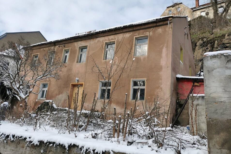 Das Gebäude im Herrental Nummer 2 in Kamenz ist einsturzgefährdet. Jetzt wird es abgerissen. Ab 22. Februar gibt es deshalb eine Vollsperrung.
