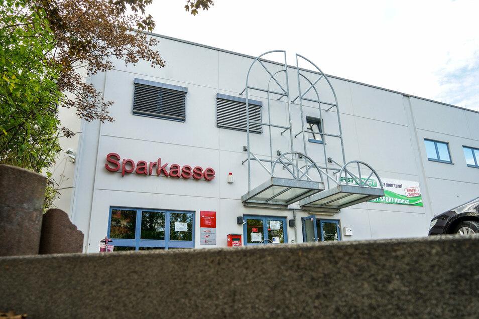 In der Sparkassen-Filiale Gesundbrunnen arbeiten derzeit Bauarbeiter.