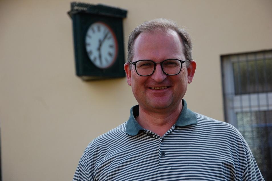Der Dresdner Lehrer und Referent Dirk Weithase gehört seit 15 Jahren dem Verein an und ist seit vier Jahren der Vorsitzende.