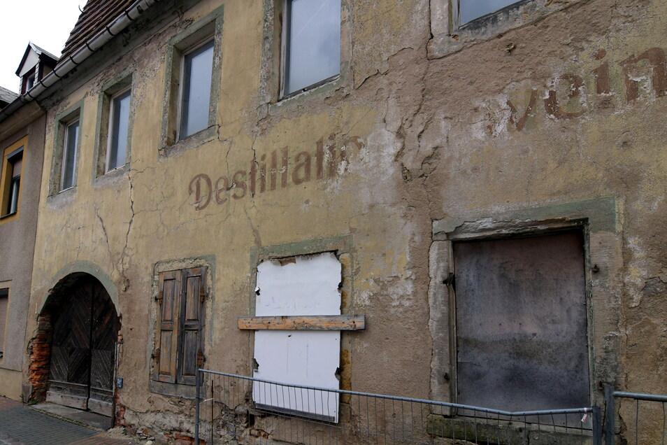 Roßwein hat nach Jahren des Hin und Her jetzt grünes Licht für den Abriss der ehemaligen Destille. Nach Ostern rückt die Firma an.