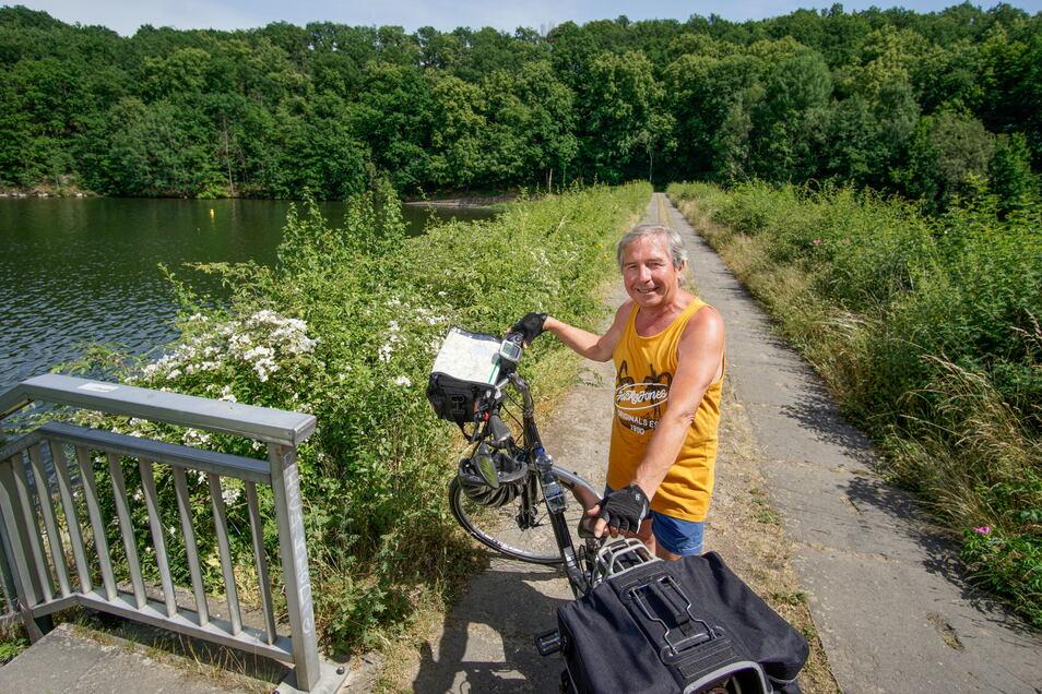 Rainer Schöne aus dem Bautzener Stadtteil Oehna wünscht sich einen neuen Abschnitt für den Radweg um den Stausee.
