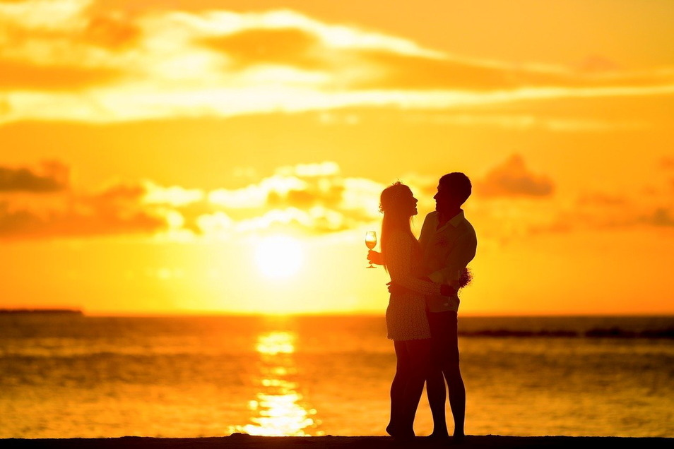 Romantischer und langlebiger sind nach Untersuchungen von Forschern die Beziehungen von verspielten Erwachsenen.