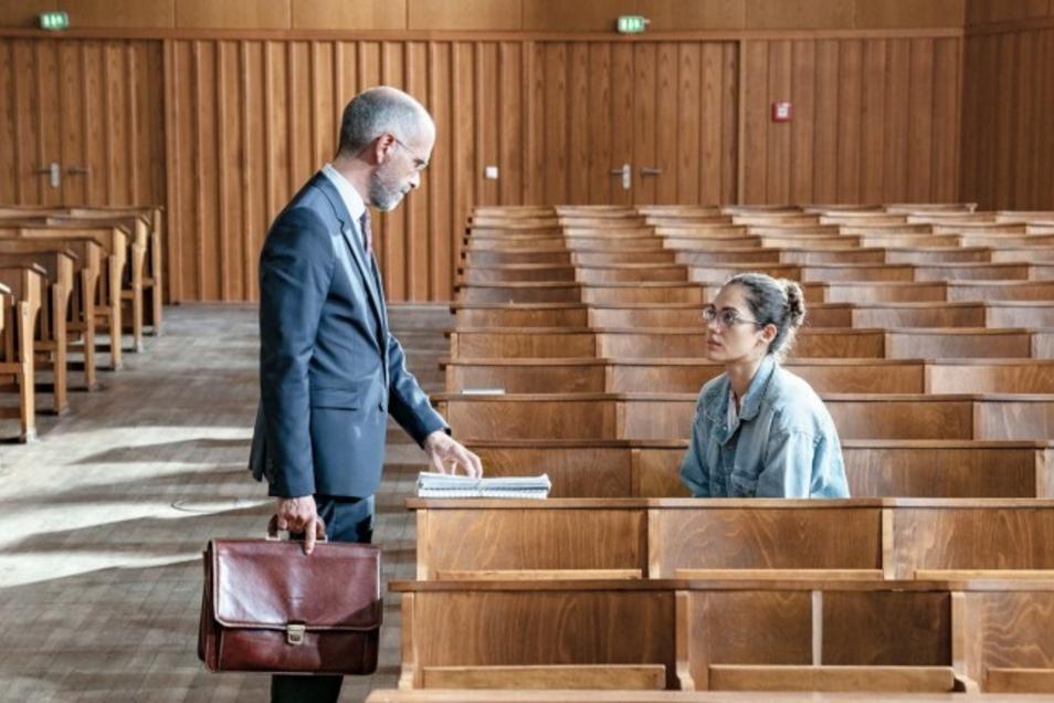 Mit dem sich-Verkneifen von beleidigenden, sexistischen, rassistischen, religionsverleumnenden Sprüchen hat es Juraprofessor Pohl nicht so ...