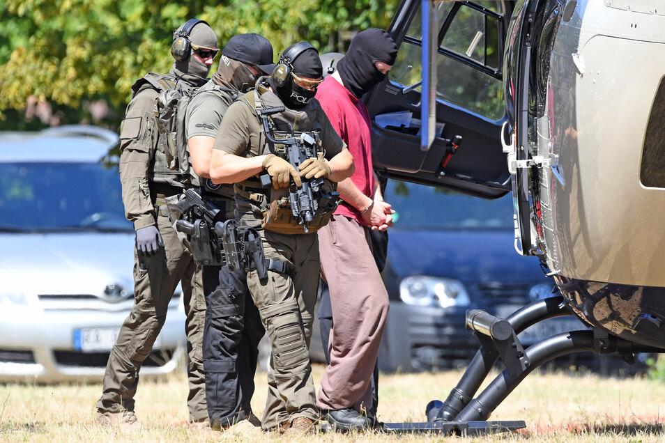 Stephan E., Tatverdächtiger im Fall des ermordeten Kasseler Regierungspräsidenten Walter Lübcke, befindet sich derzeit in Haft.