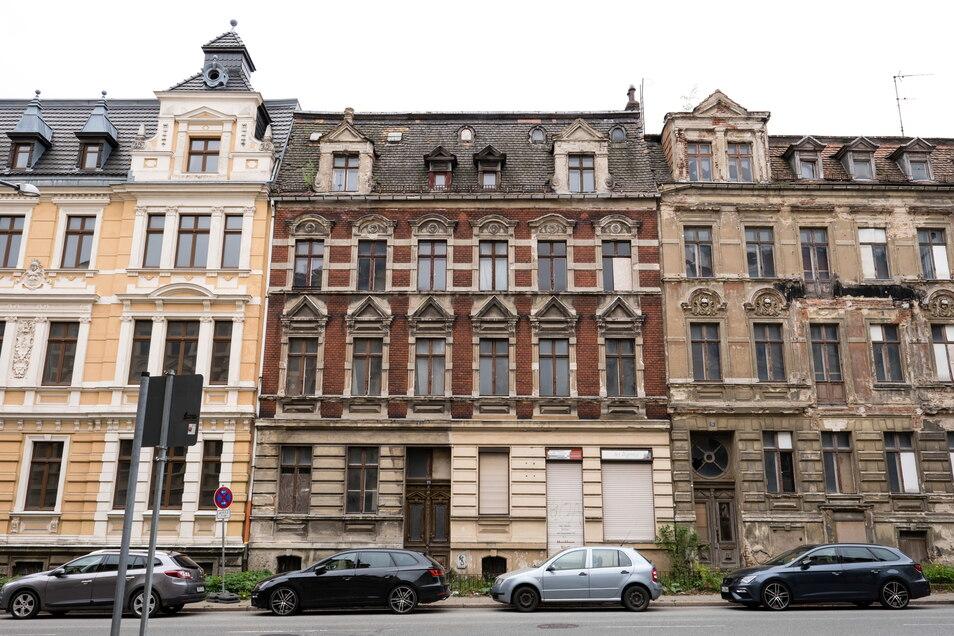 Das Gebäude Schillerstraße 25 in Görlitz (Bildmitte) ist am Mittwoch im Amtsgericht Görlitz zwangsversteigert worden.