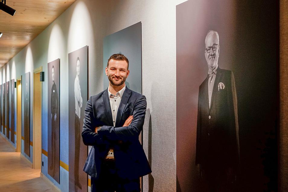 Bald wird auch ein Foto des zukünftigen Geschäftsführers Frederik Nebrich in der Galerie im neu errichteten Seeflügel hängen.