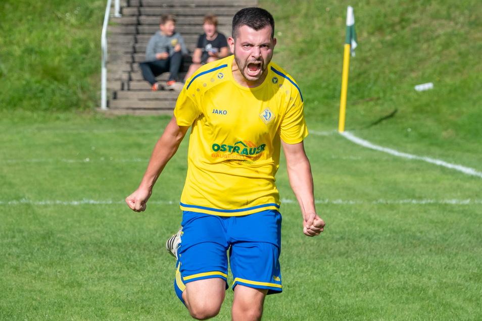 Sandro Antony bejubelt hier sein 1:0 für den Ostrauer SV, bereitete den dritten Treffer vor und avancierte so zum Matchwinner gegen den Döbelner SC.