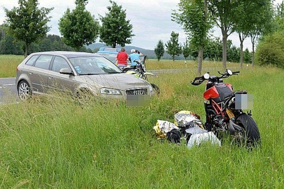 Bei einem Unfall in Niesky wurde am Sonntag ein Motorradfahrer schwer verletzt.