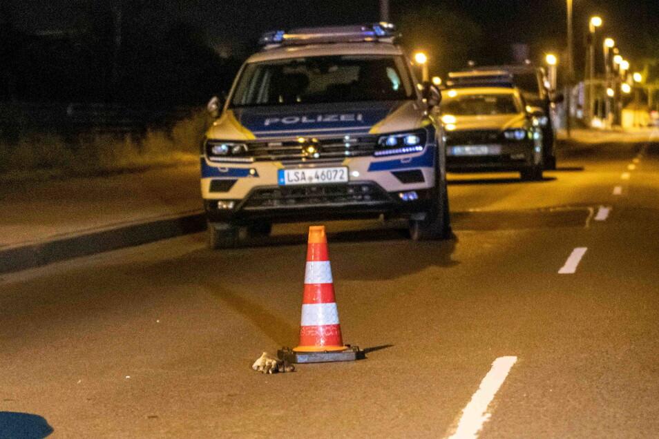 In Magdeburg kam es zu einer spektakulären Verfolgungsfahrt, nachdem sich ein Motorradfahrer einer Verkehrskontrolle entzogen hatte. Mehrere Streifenwagen nahmen die Verfolgung auf.