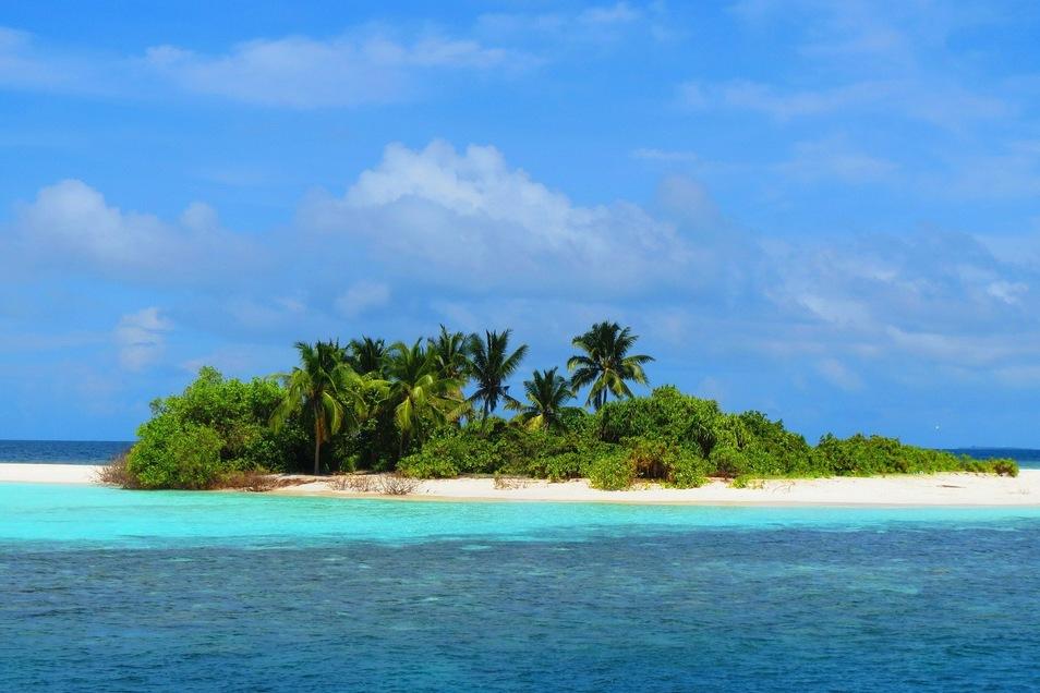 Die Regierung der Malediven versteigert 16 der mehr als 1.000 mehrheitlich unbewohnten Inseln.