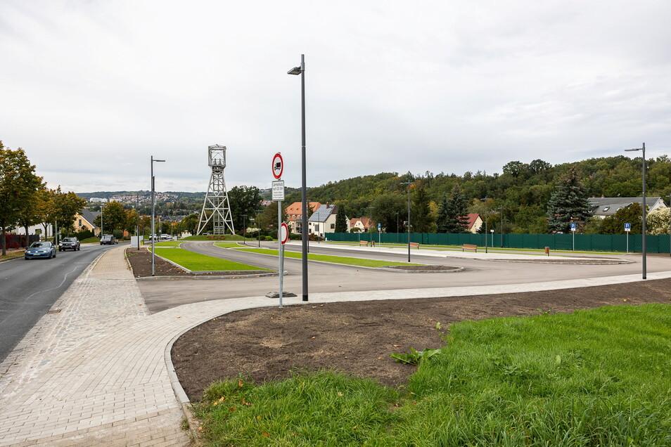 So schick kann Parken sein: An der Burgker Straße gibt es jetzt mehr Platz für Autos.