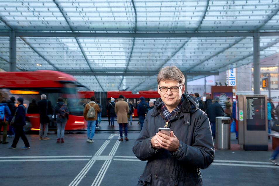 Von der Schweiz nach Sachsen: Fairtiq-Chef Gian-Mattia Schucan will ganz Deutschland mit seiner automatischen Fahrkarten-App erobern. Bis jetzt kooperieren sechs Verkehrsbetriebe mit dem Unternehmen, seit August auch der VVO.