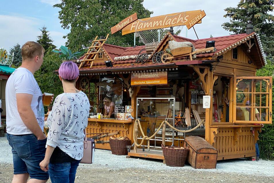 Ein besonders schöner Stand, an dem leckerer Flammlachs verkauft wurde.