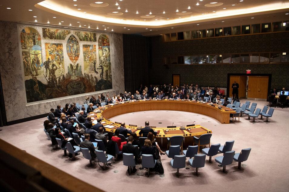 Blick auf eine Sitzung des Sicherheitsrates der Vereinten Nationen (UN) in New York.