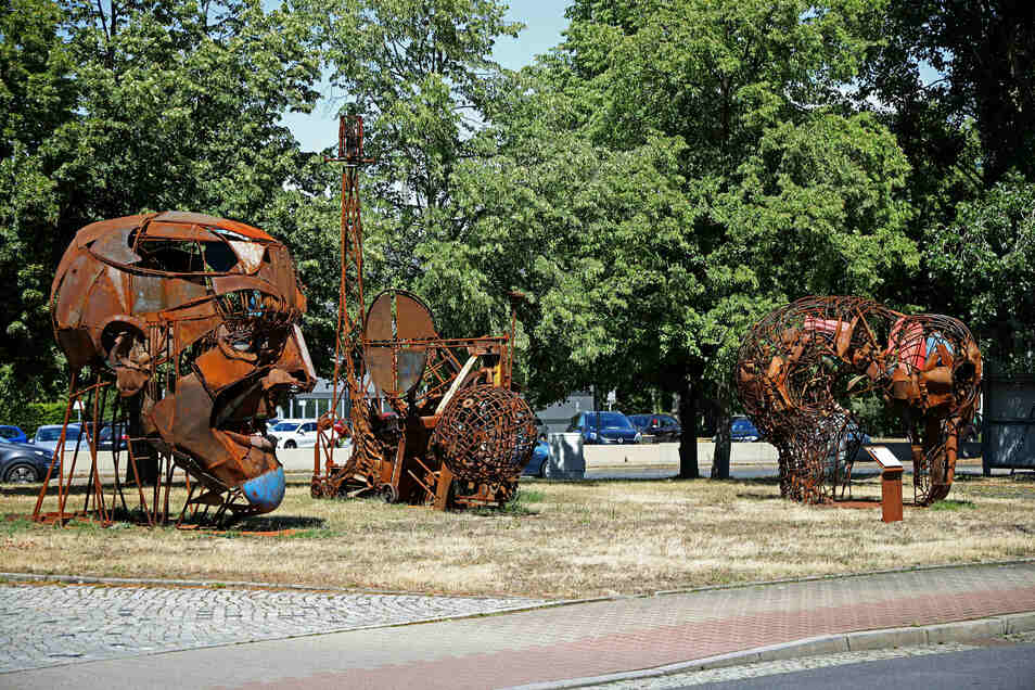 Blickfang in Gröba: die neuen Skulpturen an der Lauchhammerstraße.